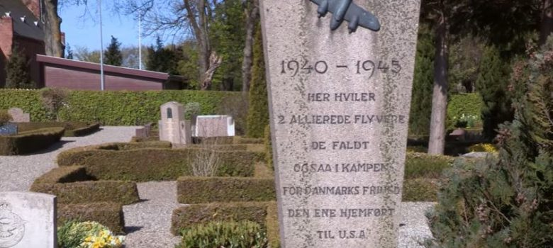 Blomster nedlæggelse på kirkegårde 5. maj