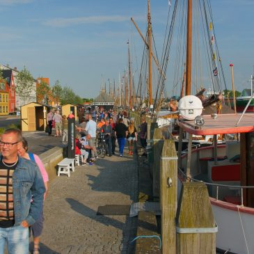 Pinsetræf med træskibe i Nakskov Havn